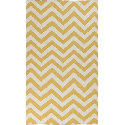Marion Winter White/Old Gold Chevron Area Rug Rug Size: 36 x 56