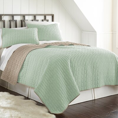 Jan 3 Piece Reversible Coverlet Set Color: Jade/Atmosphere, Size: Queen