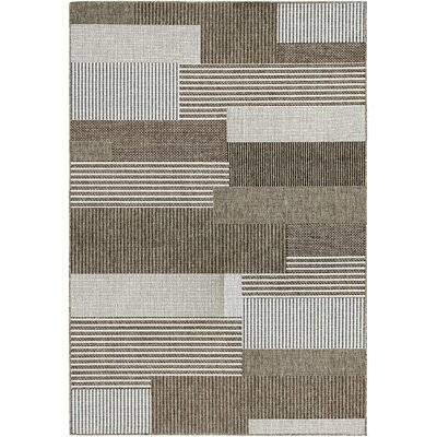 Seth Starboard Brown/Ivory Indoor/Outdoor Area Rug Rug Size: 39 x 55