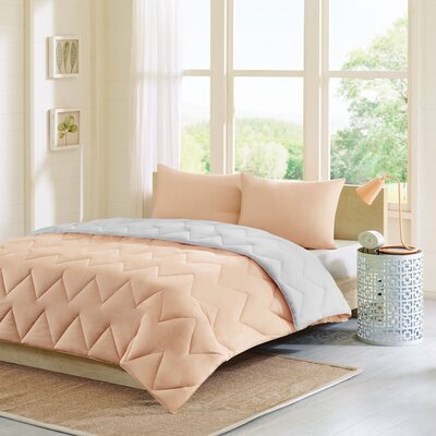Oliver Reversible Comforter Set Size: Full / Queen, Color: Gray / Pink