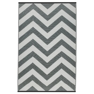 Reva Hand Woven Gray/White Indoor/Outdoor Area Rug Rug Size: 6 x 9