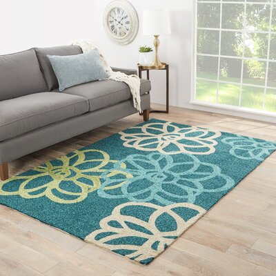 Warren Blue/Green Floral Indoor/Outdoor Area Rug Rug Size: 76 x 96