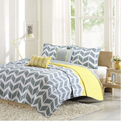 Willard Quilt Set Size: King / California King, Color: Yellow