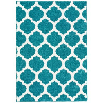 Nannie Blue/White Area Rug Rug Size: 5 x 7