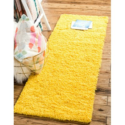 Madison Basic Dark Yellow Area Rug Rug Size: Round 6