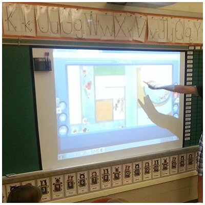 Insta-DE2 White 245 diagonal Adhesive Projection Screen