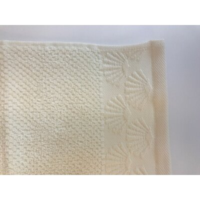 Daggett Coastal Shell Towel Set Color: Creme