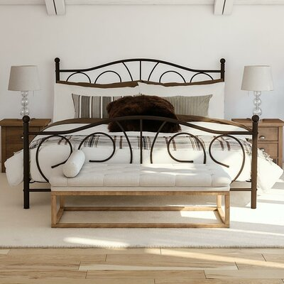 Yolanda Platform Bed Size: Queen