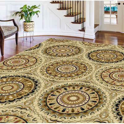 Merle Ivory Medallion Area Rug Rug Size: Rectangle 76 x 910