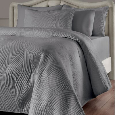 Stream Reversible Quilt Set Size: King, Color: Linen