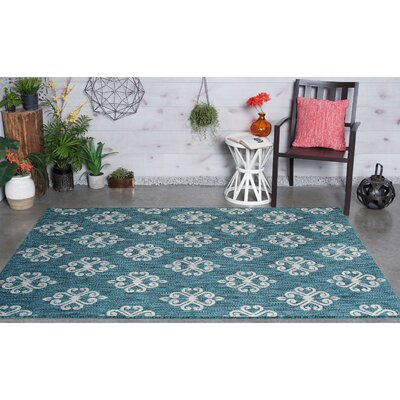 Segera Transitional Teal Indoor/Outdoor Area Rug Rug Size: 53 x 73