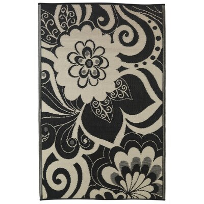 Martina Black/Cream Indoor/Outdoor Area Rug Rug Size: 6 x 9