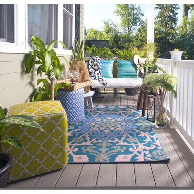 Martina Indoor/Outdoor Blue/Beige Area Rug Rug Size: 5 x 8