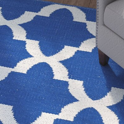 Tyesha Navy/Cream Indoor/Outdoor Area Rug Rug Size: 3 x 5