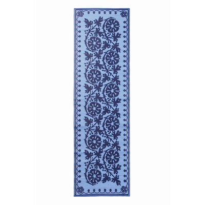 Cinquefoil Navy Indoor/Outdoor Area Rug Rug Size: Runner 26 x 8