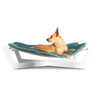 Tricia Pet Hammock Color: Berry Blue