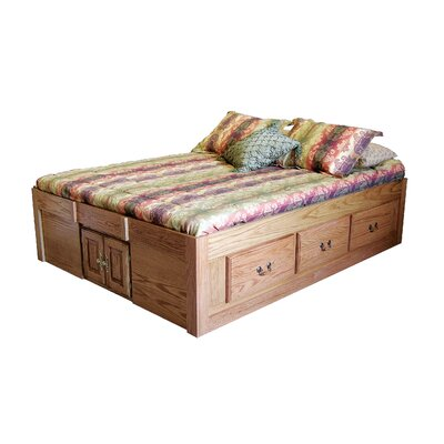 Queen Platform Bed Color: Golden Oak