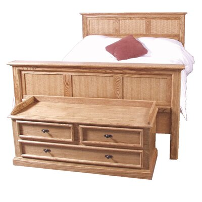 Queen Panel Bed Color: Spice Alder
