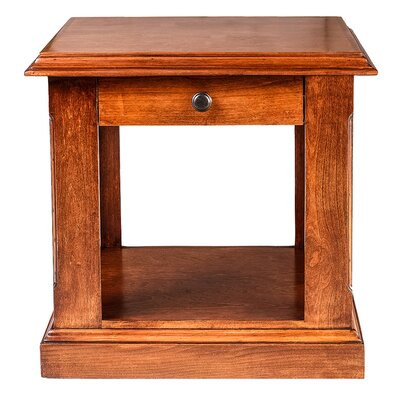 26 H End Table with Black Knobs Color: Red Oak