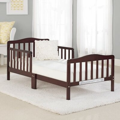 Big Oshi Toddler Bed Finish: Espresso