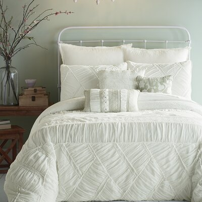 Liliane Ruffle 3 Piece Comforter Set Size: King