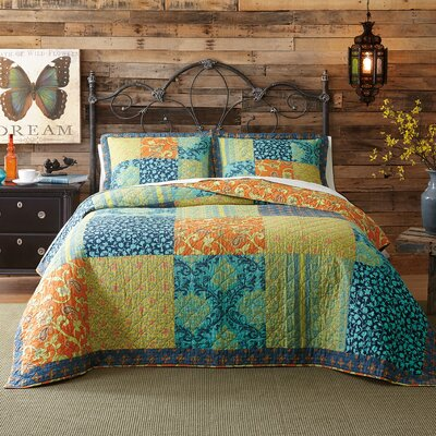 Jacinda Reversible Quilt Size: Full/Queen