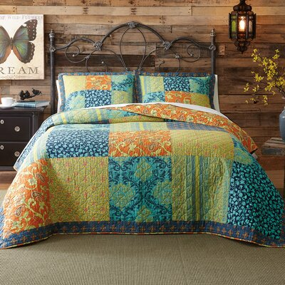 Jacinda Reversible Quilt Set Size: Twin