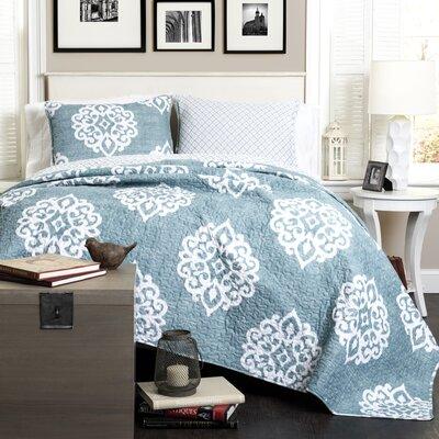 Stroudsburg 3 Piece Reversible Quilt Set Color: Blue, Size: King