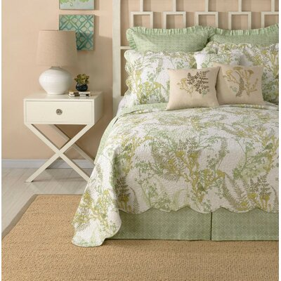Yorktown Bed Skirt Size: Queen