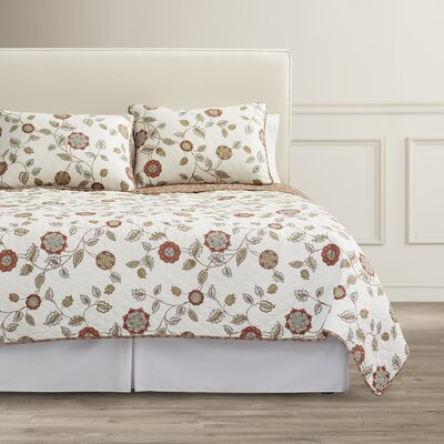 Fayette Quilt Set Size: Full/Queen