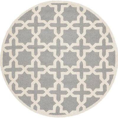 Cherry Hill Hand-Tufted Gray/Ivory Area Rug Rug Size: Round 8