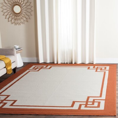 Ravenwood Hand-Hooked Off White/Sangria Indoor/Outdoor Area Rug Rug Size: Rectangle 9 x 12