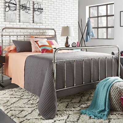 Duluth Panel Bed Size: Queen, Finish: Chrome