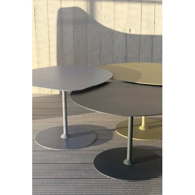 Low Coffee Table Material: Aluminum, Color: Black