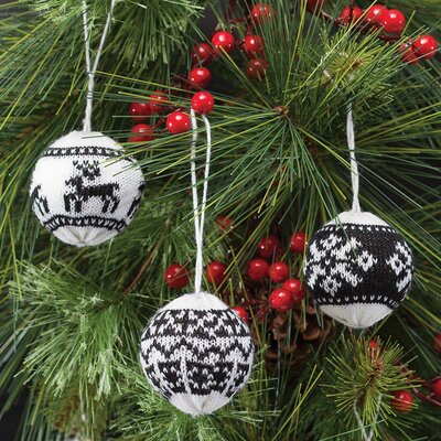 3 Piece Sweater Ball Ornament Set R6227X3