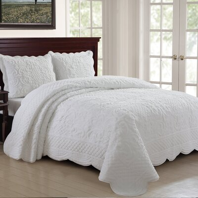 Estate 3 Piece Quilt Set Size: King, Color: White