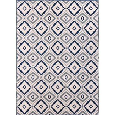 Sydney Cozy Feeling White Area Rug Rug Size: 53 x 73