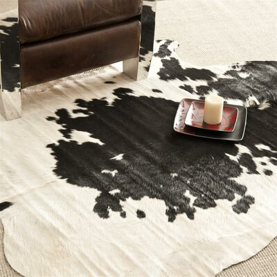 Bridlewood Hand-Woven Black / White Area Rug Rug Size: 46 x 66