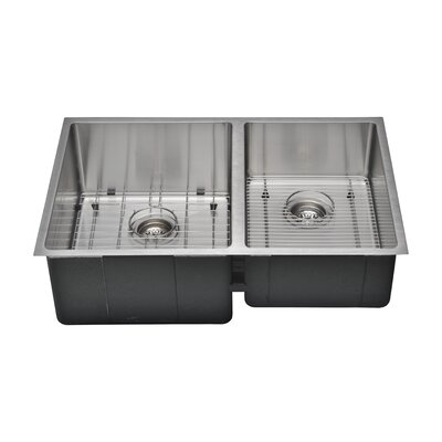 Chefs Series 30 x 19 55/45 Farm Double Bowl Kitchen Sink