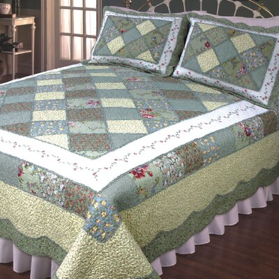 Calton Green & white Quilt Size: Super King