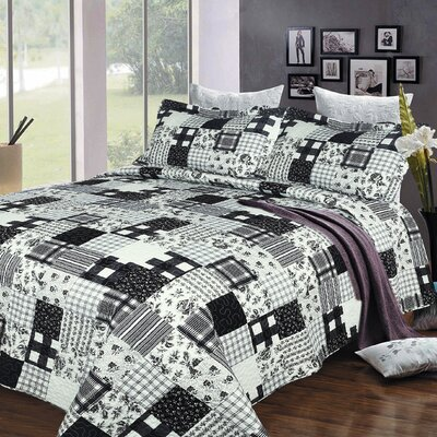 Urban Delight 3 Piece Reversible Quilt Set Size: King