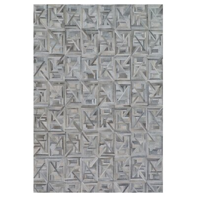 Natural Hide Hand-Tufted Silver/Ivory Area Rug
