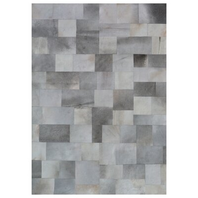 Natural Hide Hand Crafted Silver/Gray Area Rug