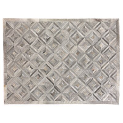 Natural Hide Hand Crafted Silver/Ivory Area Rug Rug Size: 116 x 146