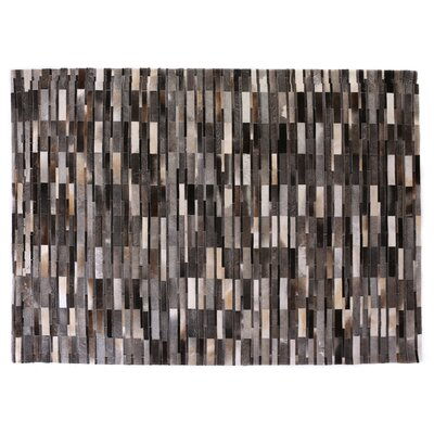 Natural Hide Hand Crafted Gray/Brown/Ivory Area Rug