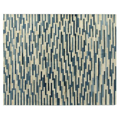 Natural Hide Hand-Tufted Ivory/Blue Area Rug Rug Size: 96 x 136