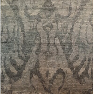 Antiqued Silk Hand-Knotted Silver Area Rug
