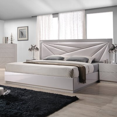 Ernesto Upholstered Platform Bed Size: Queen