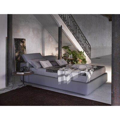 Upholstered Platform Bed Size: King, Color: Grey