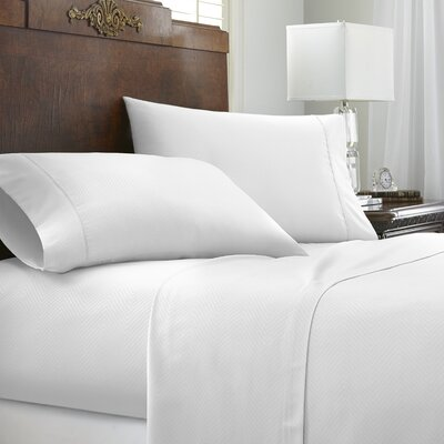 Franky Chevron Sheet Set Size: California King, Color: White